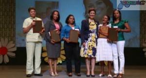 Vicepresidenta reconoce madres