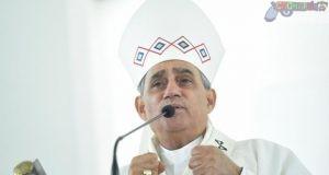 El arzobispo Freddy Bretón en la homilía con motivo del Día de la Altagracia. Asistieron feligreses de Santiago, Espaillat, La Vega, Valverde, Puerto Plata y otras de la zona Norte.