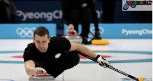 En esta foto de archivo del 7 de febrero de 2018, Alexandre Krushelnitsky practica el curling, antes de los Juegos Olímpicos de Invierno, en Gangneung, Corea del Sur.