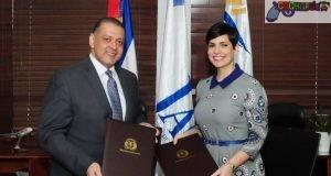 Luis Ernesto Camilo, presidente de la JAC y Yolanda Martínez, presidenta de Pro Competencia.